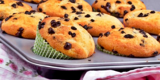 Könnyű, puha gluténmentes muffin, csokicseppekkel megbolondítva