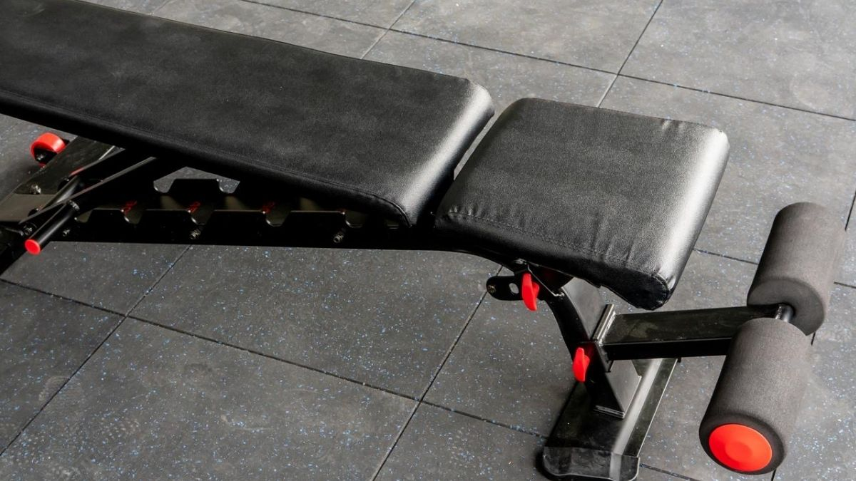 Flybird Weight Bench Review – Sturdy & Strong or Cheap & Weak?