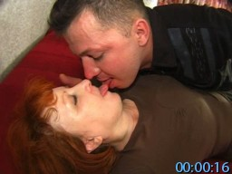 MomsFuckGuys.com SiteRip - Younger Guy Having Sex With Experienced Mature Woman And Gets Strapon Pegged For The First Time.