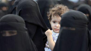 """صورة الاختلاط بين الرجال والنساء"""".. السعودية تعيش حالة من التخبط والاستنفار ( فيديو )"""