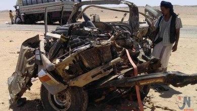 صورة مصرع 7 جنود شماليين ومواطن بحادث اصطدام بين طقم عسكري ودينا بصحراء حضرموت