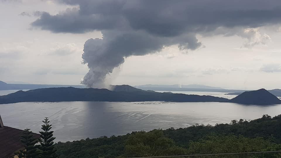 Taal Volcán