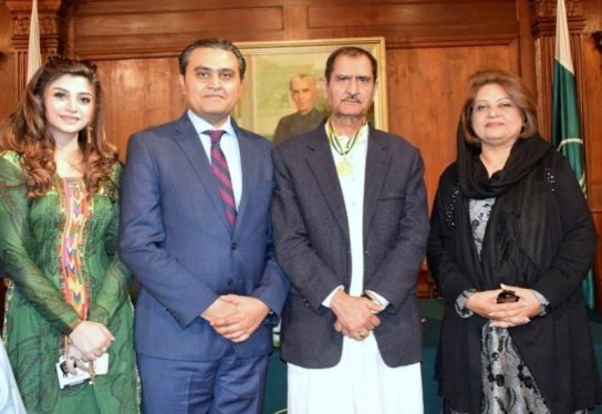 Zoya Nasir with Kamran Nasir, Nasir Adeeb, and Amna Ulfat