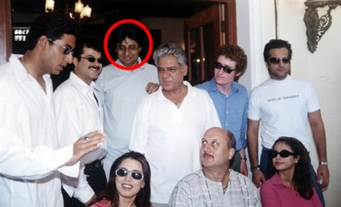 Vashu Bhagnani (in circle) on the set of Om Jai Jagadish with the star cast