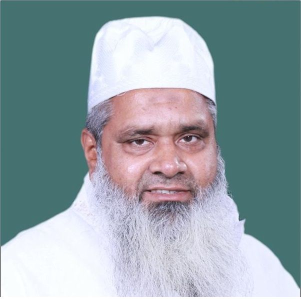 Maulana Badruddin Ajmal Age, Wife, Children, Family, Biography & More » StarsUnfolded
