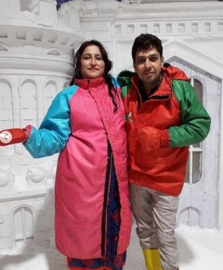Riya Kishanchandani's parents