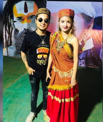 Pawandeep Rajan with his sister Jyotideep Rajan
