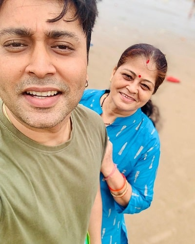 Rahul Vohra with his mother