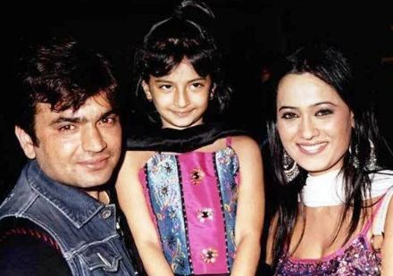 Palak Tiwari in childhood with her parents