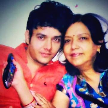 Aniruddh Dave with his mother