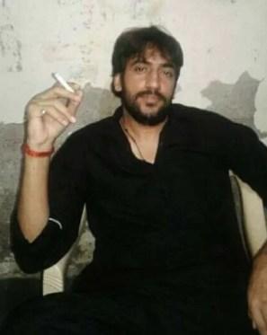 Neeraj Bawana smoking