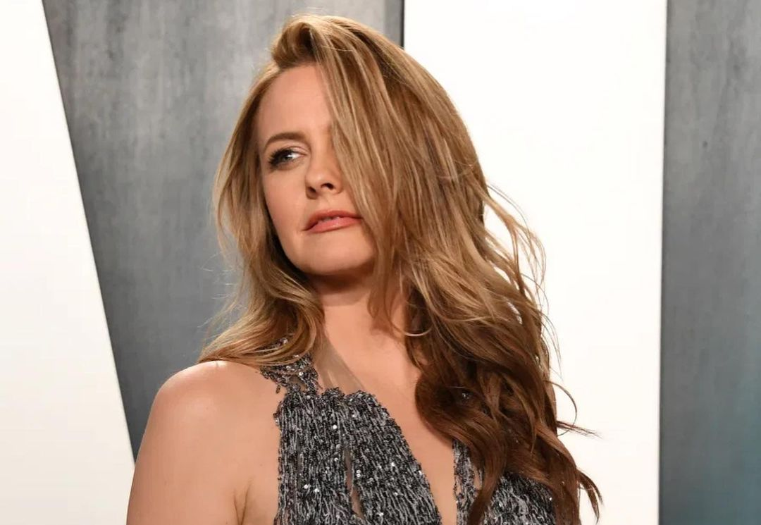 Alicia Silverstone (Actress) Wiki, Biography, Age, Boyfriend, Family, Facts and More - Wikifamouspeople