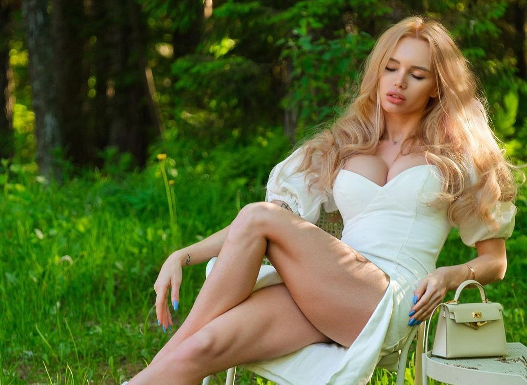 Olya Abramovich (Model) Wiki, Biography, Age, Boyfriend, Family, Facts and More - Wikifamouspeople