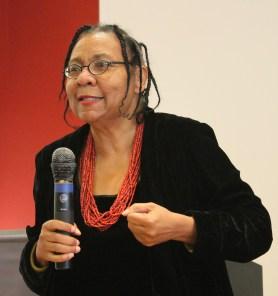 beell hooks, intelectual estadunidense e ativista feminista negra.