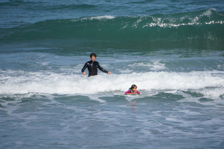 First surf with 3,5 years - Sizilien - Biken und Surfen rund um den Etna