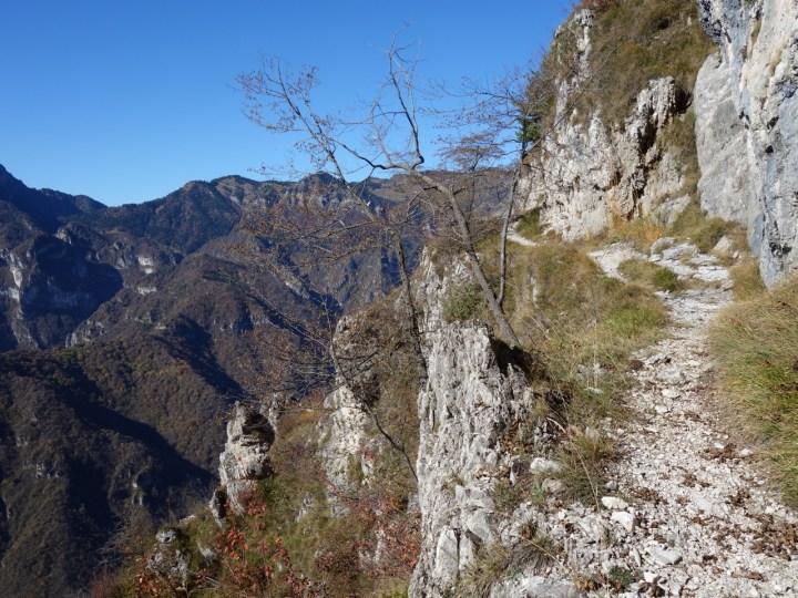 hoch über dem einsamen Valle San Michele