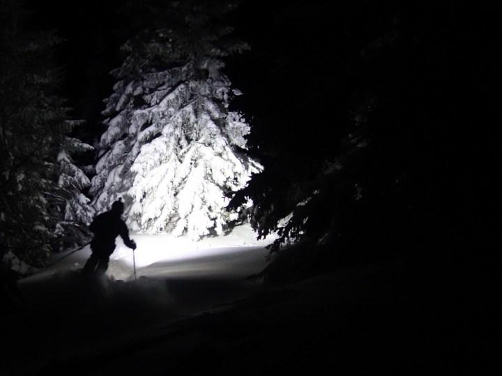 Tief verschneit präsentiert sich die ehemalige Skipiste der Brecherspitze....