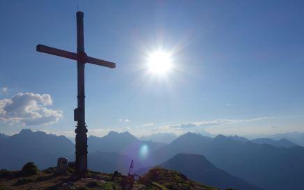 Am Gipfel des Schafreiter genießt man eine fantastische Rundumsicht...