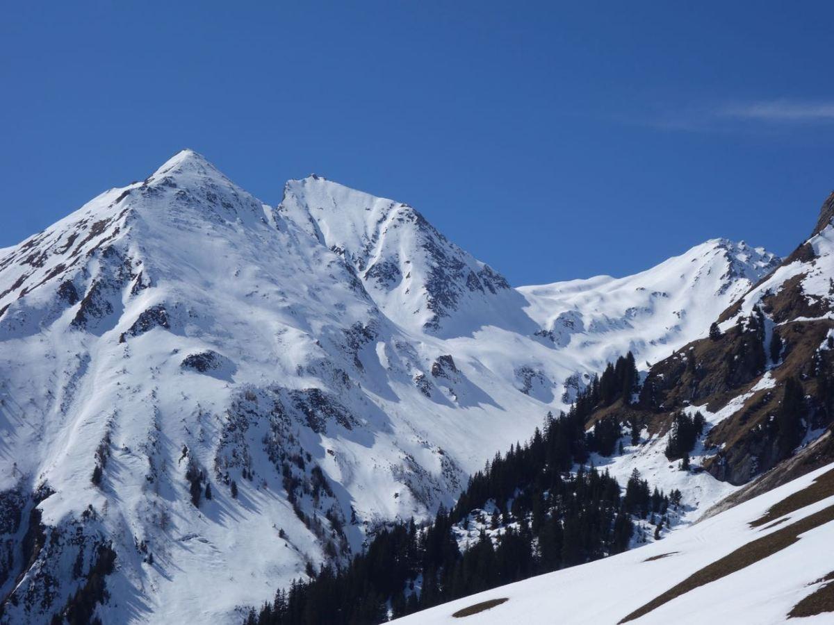 Piz Fess (2.880 m), nordseitiges Freeride-Paradies im Safiental