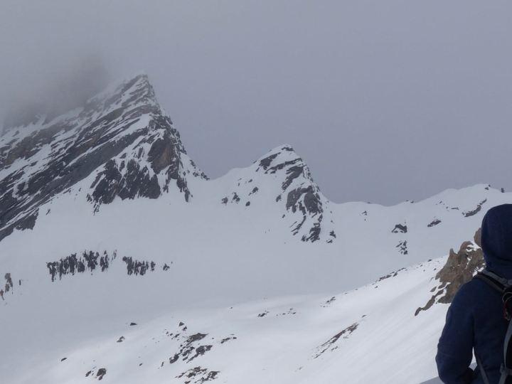 Ducanscharte Südseite, da geht's hoch, links der Hoch Ducan im Nebel