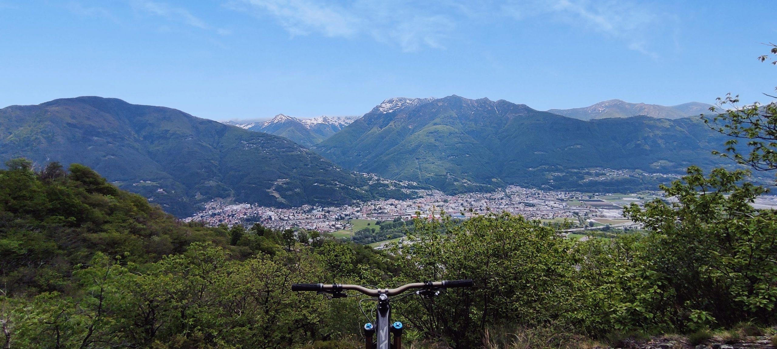 Blick von oben auf Bellinzona