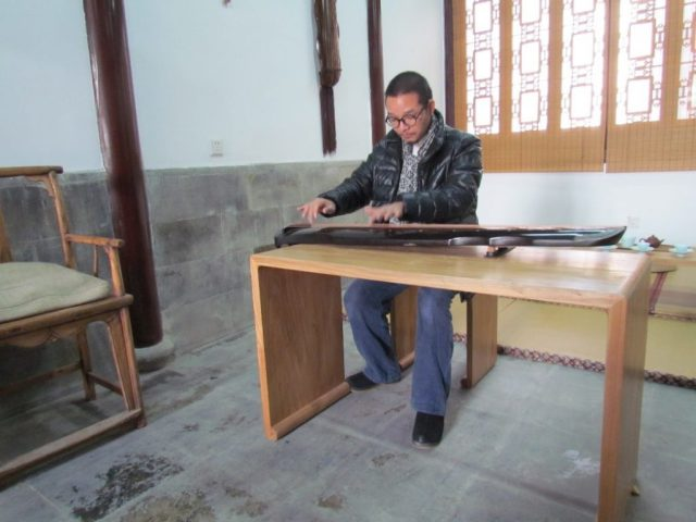 Master Liang performs. Photo courtesy of the author.