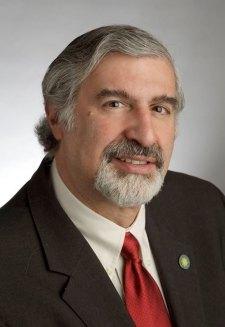 headshot of Dr. Richard Kurin