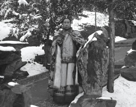 Cixi among the snowy gardens of Wanshoushan (Longevity Hill)