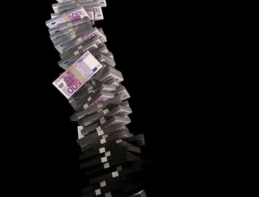 independente financeiramente maço dinheiro