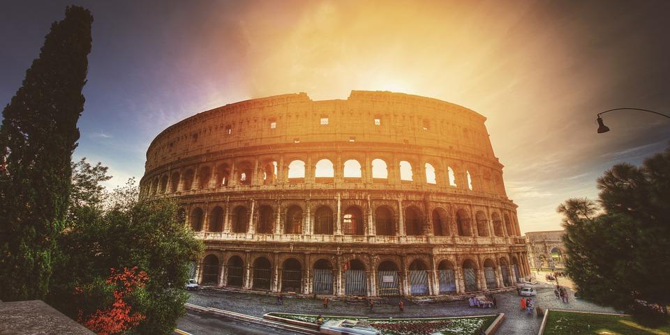 Coliseu no pôr-do-sol