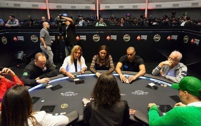 Saiba como ganhar dinheiro jogando poker