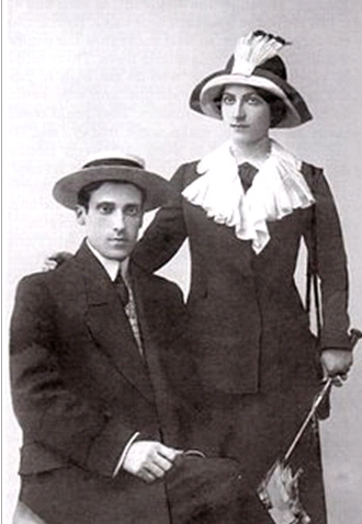 de Sperati with his wife Marie Louise in Paris in 1914, the year they married