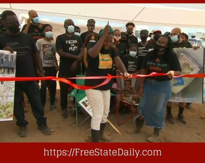 Black Families Buy Land