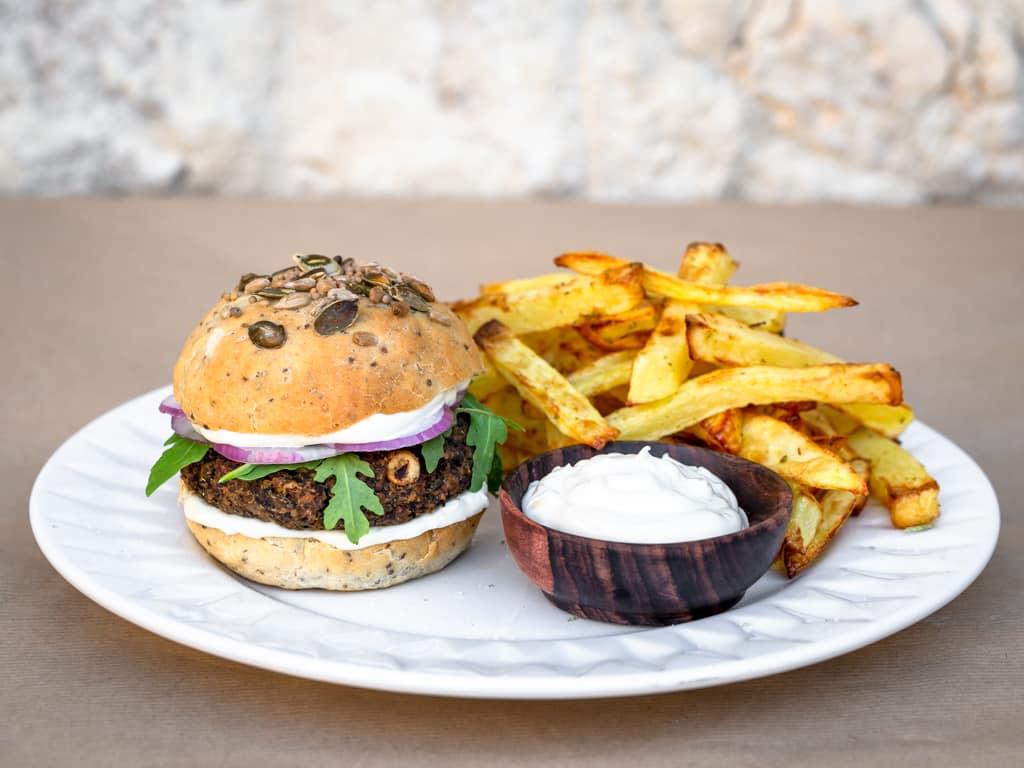 Une recette de burger vegan à base de champignons shitaké et de pois chiche !