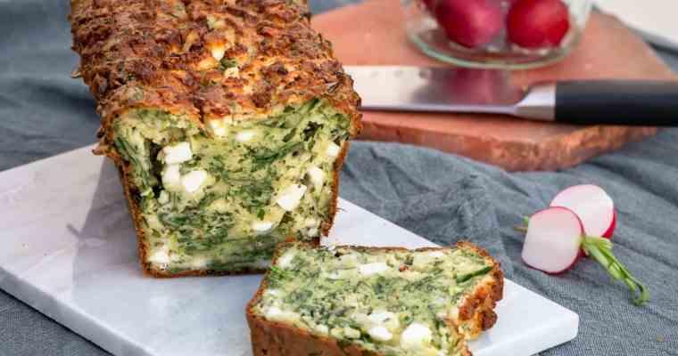 """Cake """"Zéro Déchet"""" aux Fanes de Radis et à la Fêta"""
