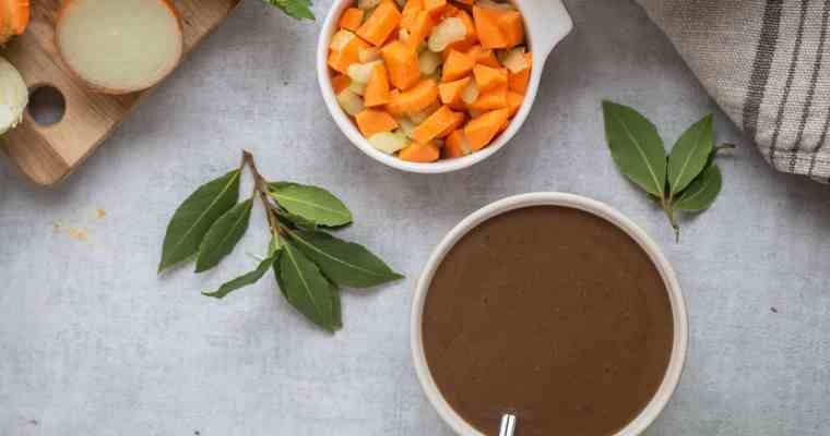 Sauce Gravy Vegan (Sauce brune pour vos rôtis et plats vegans)