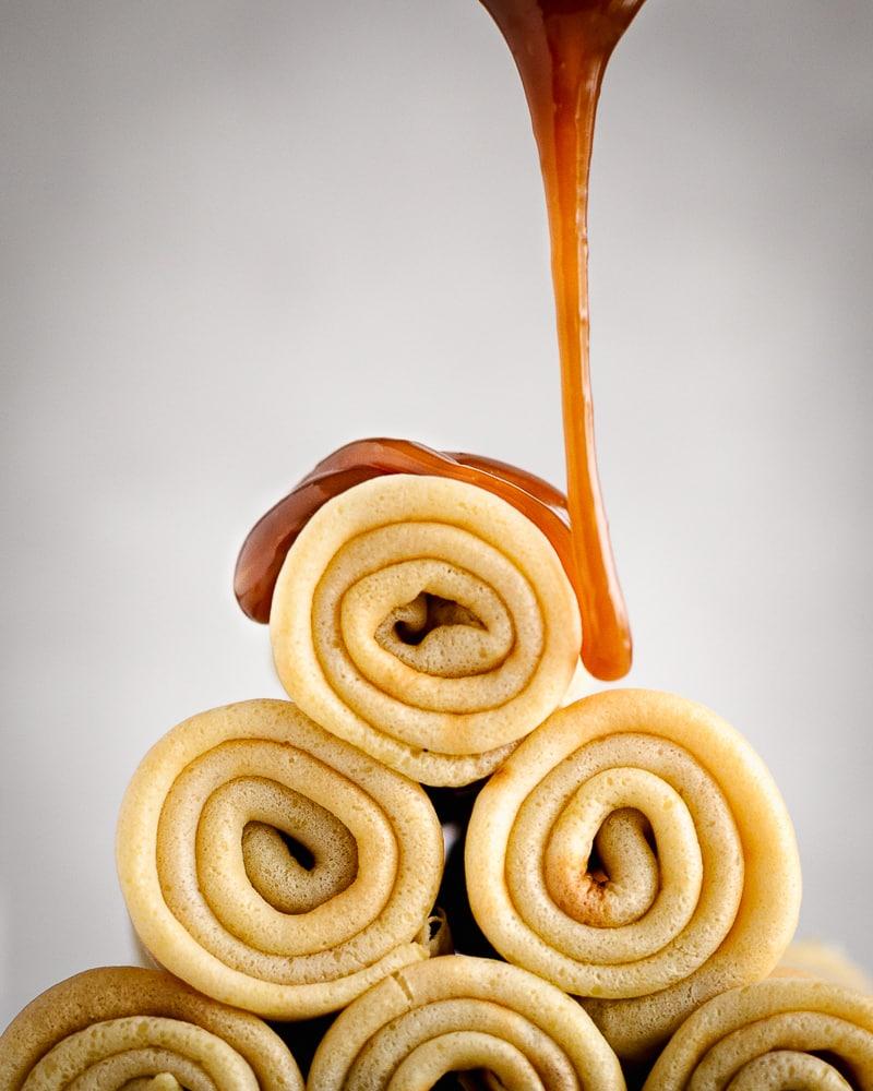 Ma recette de crêpes d'amour c'est celle ci ! Quand je fais des crêpes, c'est cette recette que je fais systématiquement, je trouve que la bière leur donne un petit goût particulier très apprécié. Bien moelleuses, elle se déguste nature ou garnies avec du caramel ou à peu près tout ce qui vous fait plaisir.