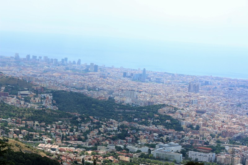 Panoramic view, with the Sagrada Familia in the centre.
