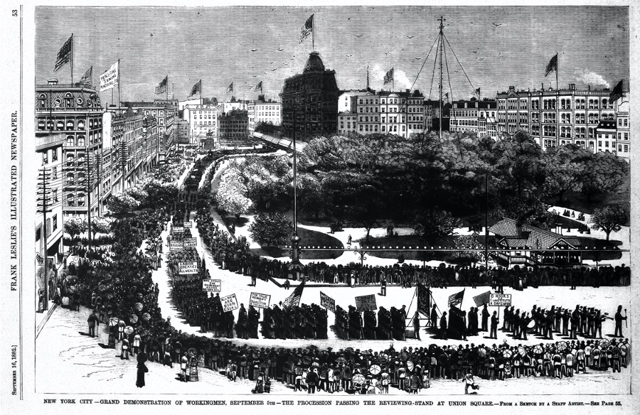 The bottom caption reads: NEW YORK CITY—GRAND DEMONSTRATION OF WORKINGMEN, SEPTEMBER 5th—THE PROCESSION PASSING THE VIEWING-STAND AT UNION SQUARE—From a Sketch by a Staff Artist—See Page 55 The side caption reads: September 16, 1882] FRANK LESLIE'S ILLUSTRATED NEWSPAPER.