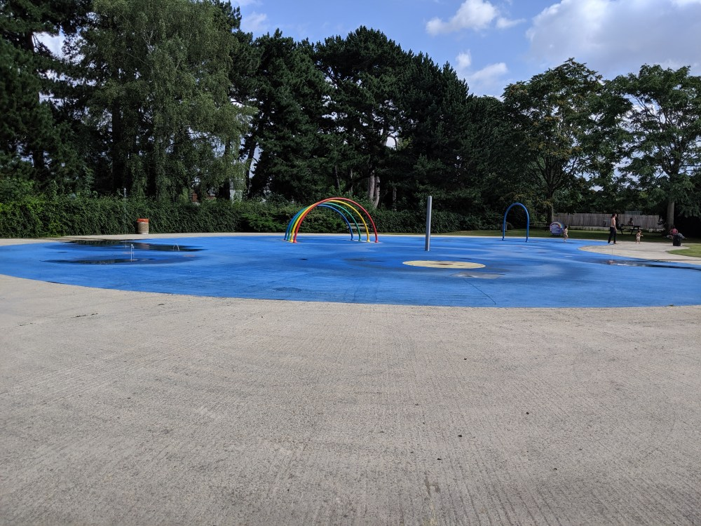 Hinksey Park & Splash Park Review | Oxford | Oxfordshire | Free things to do with the kids