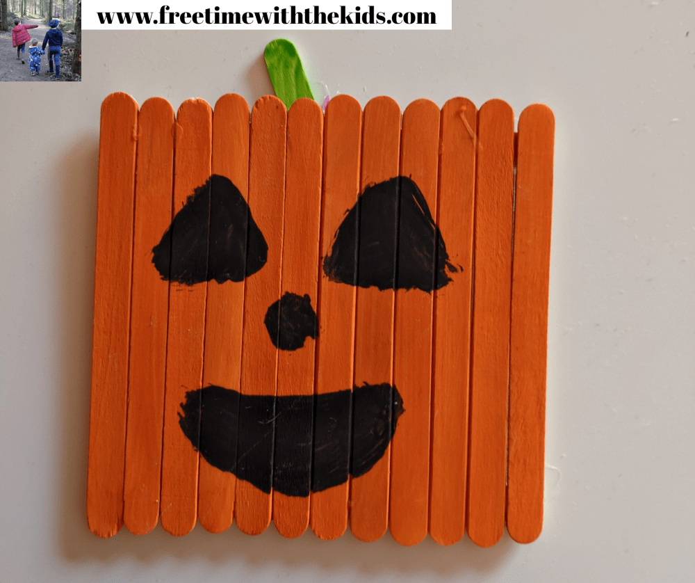 Pumpkin lolly stick craft | Halloween children's activities | Free Time with the Kids | Cheap children's crafts