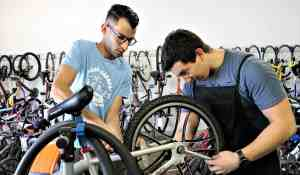 Rice Bikes mechanics are often willing to pitch in at Freewheels.