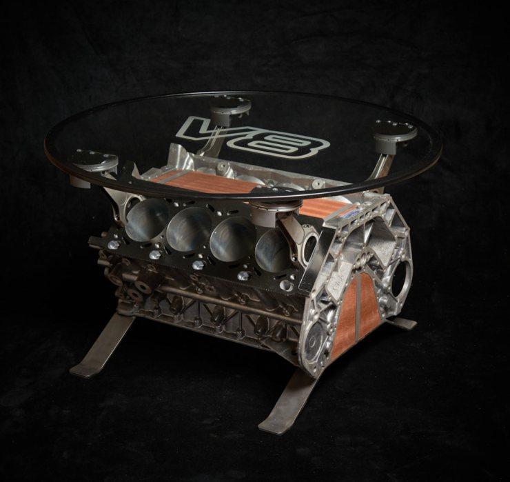 Table basse moteur V8