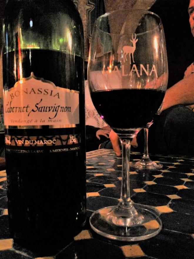 rotwein-glas-marokko