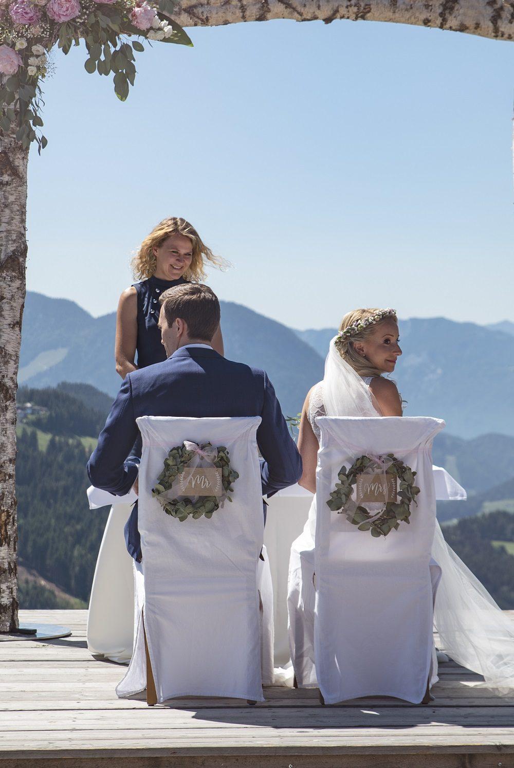 Eine freie Trauung mit Rednerin Ingrid in den Alpen