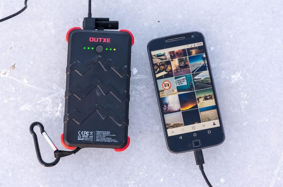 OUTXE 10000mAh – Ein Outdoor-Akku für die grobe Tour im Praxistest