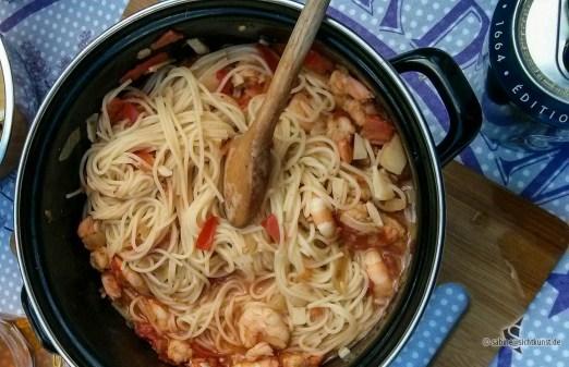 Kochen unterwegs - Crevetten mit Spaghetti und Knoblauch