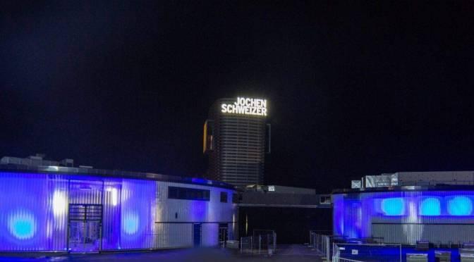 Jochen Schweizer Arena erleuchtet den Süden Münchens