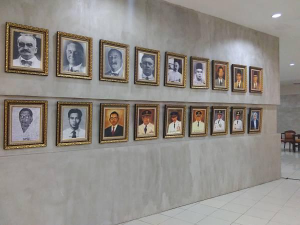 Deretan foto Walikota Surabaya