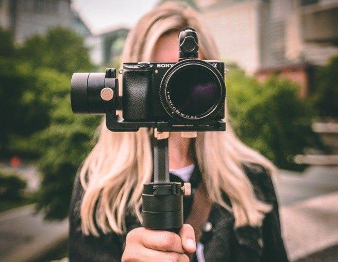 tripod untuk vlogger pemula